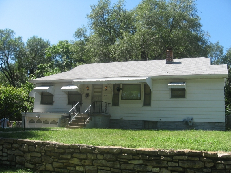 1820 Cedar Front